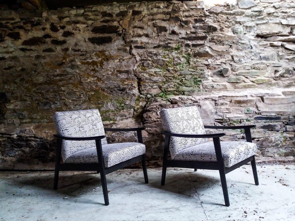 lorraine osborne.b&w telly chairs